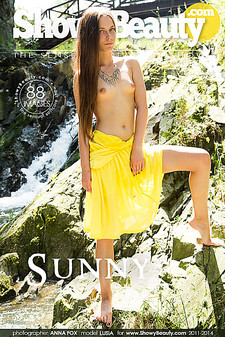 Showy Beauty - Lusia - Sunny Lusia