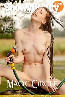 Showy Beauty - Lola - Magic Circle