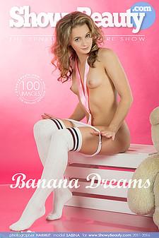 Showy Beauty - Sabina - Banana Dreams